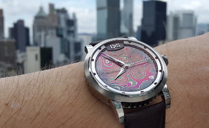 Customized Sarek with red/purple dial